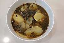 酸腌菜炒洋芋的做法
