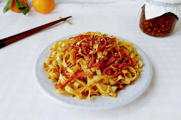 姜蒜辣油肠干丝的做法