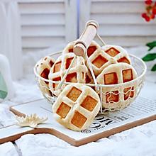 #快手又营养,我家的冬日必备菜品#全麦果仁红糖华夫饼
