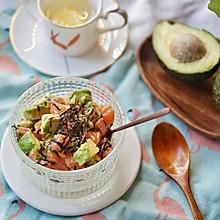 健康食谱|三文鱼牛油果拌饭,满满的健康脂香#硬核菜谱制作人#