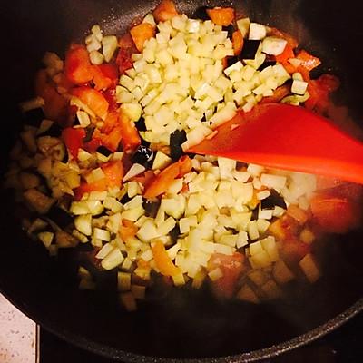 西红柿土豆茄子面的做法 步骤6