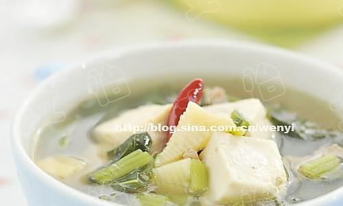雪菜冬笋豆腐汤的做法