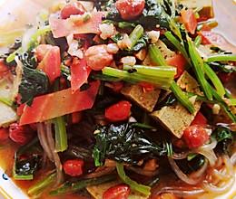 #以美食的名义说爱她#菠菜杂拌菜,好吃又减肥的做法