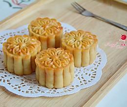 莲蓉咸蛋黄月饼#东菱魔法云面包机#的做法