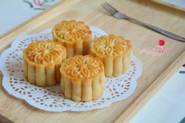 莲蓉咸蛋黄月饼的做法