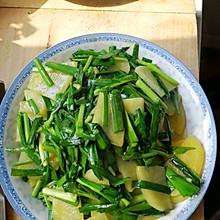 土豆片炒韭菜