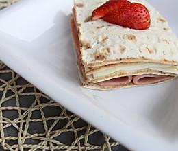 一日之计在于晨——草莓夹心三文治 的做法