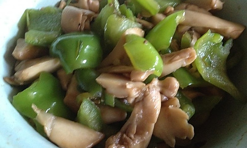 清炒柿子椒蘑菇的做法