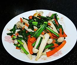 #餐桌上的春日限定#白玉菇炒韭菜的做法