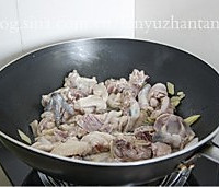 秋冬季最应景的经典滋补菜肴——栗子炖鸡的做法图解6