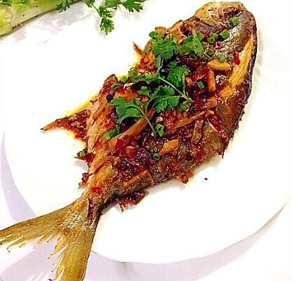 干烧金鲳鱼的做法