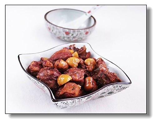 栗子酱焖鸭的做法