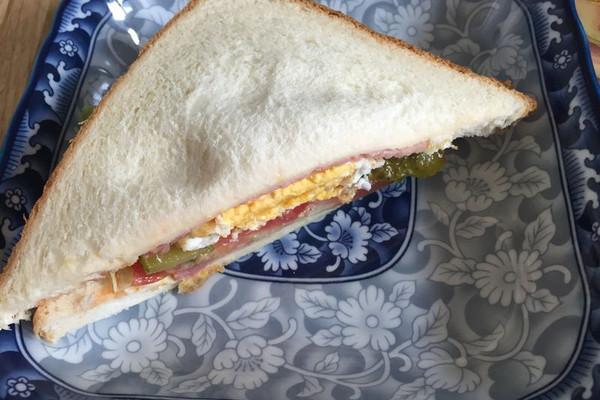 独家鸡蛋火腿三明治