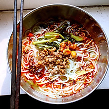 香辣酸菜米线
