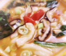 #名厨汁味,圆中秋美味#懒人美味饭——西红柿菌菇汤老鸹撒的做法
