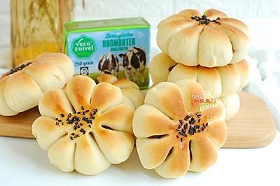 豆沙花型面包
