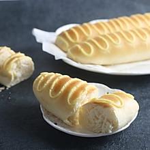 面包房最受欢迎早餐首选的毛毛虫面包