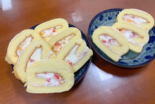 软嫩水果奶油蛋糕卷的做法