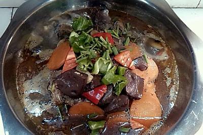 胡萝卜猪血炖排骨,家常口味