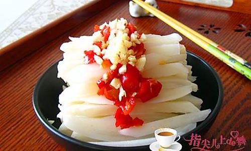 夏天里超简单的开胃小菜---剁椒藕条的做法