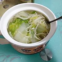 大白菜煮面条的做法图解1