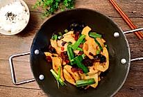 干锅腊肉冬笋片的做法