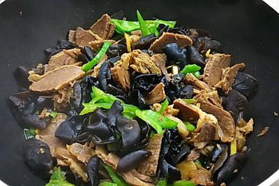爽口小炒青椒黑木耳烩牛肉