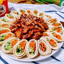 #一勺葱伴侣,成就招牌美味#京酱肉丝(附千张蔬菜卷)