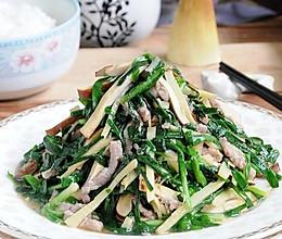 鲜美时令小炒--鲜笋豆干肉丝炒春韭的做法