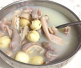 补脾胃益气虚的莲子猪肚汤——附:猪肚清洗详细。的做法