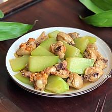 #快手又营养,我家的冬日必备菜品# 佛手瓜炒鸡翅