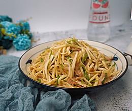 #母亲节,给妈妈做道菜#茭白炒肉丝的做法