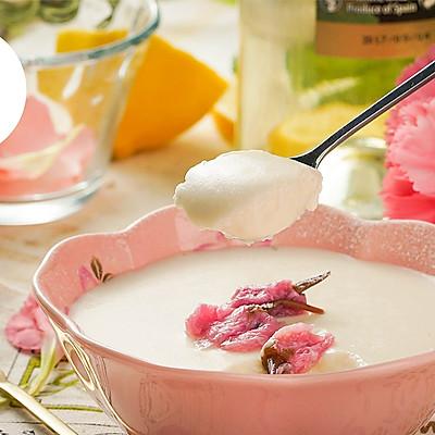 樱花豆乳慕斯杯