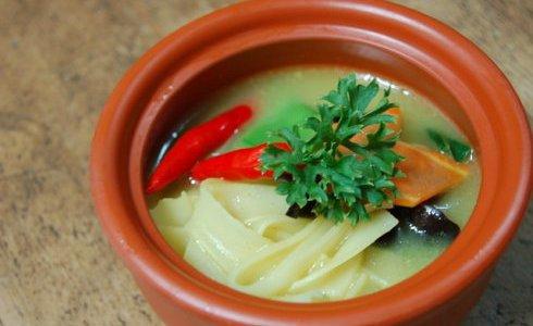 越式砂锅咖喱汤河粉的做法