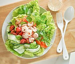 瘦成闪电一起来吃减脂餐【鲜虾蔬菜沙拉】的做法