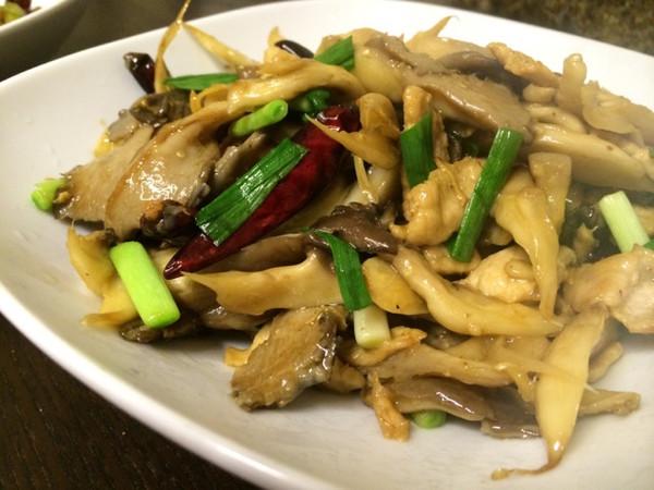 平菇炒肉片的做法