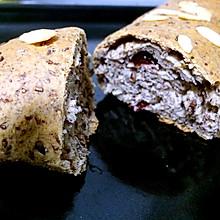 杂粮黑麦面包