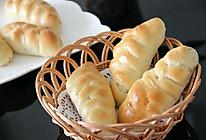 营养早餐  花式夹心面包   (芝士肠 果酱 肉松三种口味)的做法
