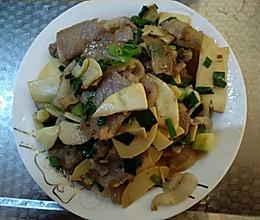 腊肉烧冬笋的做法