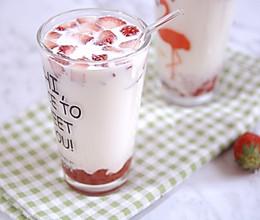#520,美食撩动TA的心!#超好喝的草莓大果粒牛奶的做法