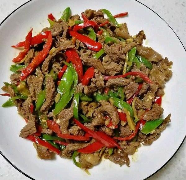 尖椒炒牛肉的做法