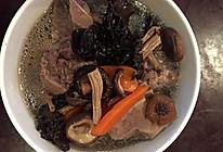 菌菇桐骨汤的做法