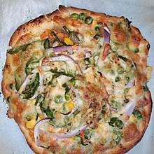 青豆玉米腊肠胡萝卜孜然披萨