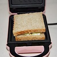 黄瓜鸡蛋热压三明治#花10分钟,做一道菜!#的做法图解11
