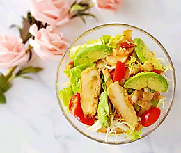 蜂蜜芥末鸡胸培根蔬菜沙拉的做法
