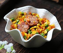 杂蔬什锦菜炒猪肩肉的做法