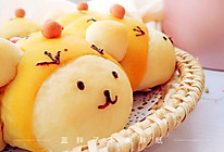 伪装成小鸡的熊宝宝挤挤面包的做法