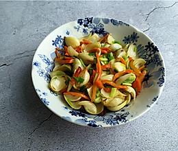 #美食新势力# 秋天吃点苦味菜——小炒百合的做法