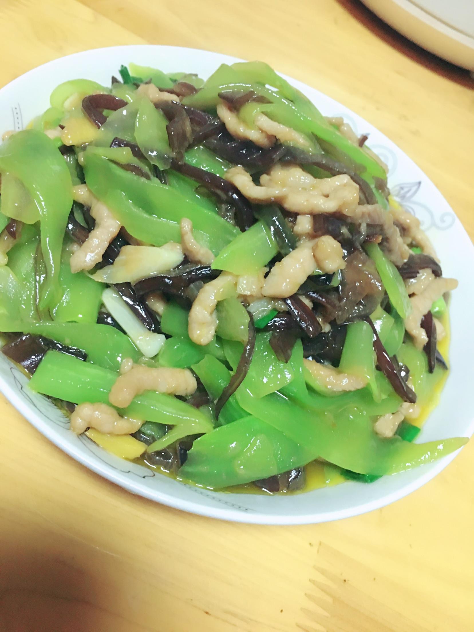莴笋木耳炒肉的做法_木耳莴笋肉丝的做法_菜谱_豆果美食