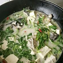 豆腐炖鱼汤